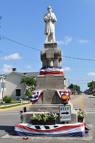Pleasant Hill Civil War Statue on the Fo