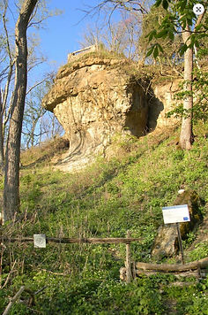 Serpent Mound Head Outcrop .jpg