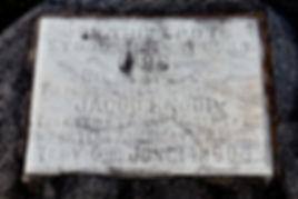 Knoop Monument 1.jpg