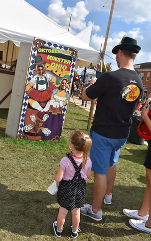 Minster Octoberfest Picture People.JPG
