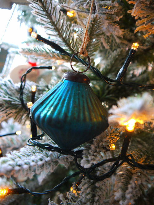 Teal Glass Ribbed Bauble