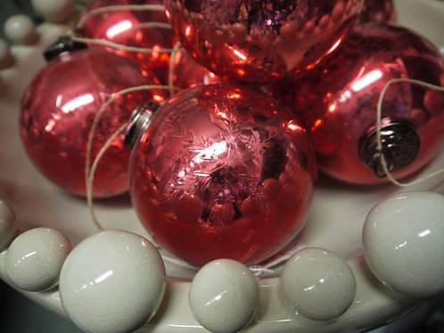 Red Etched Snowflake Glass Bauble - Medium