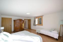 chambre 3 lits rez 2