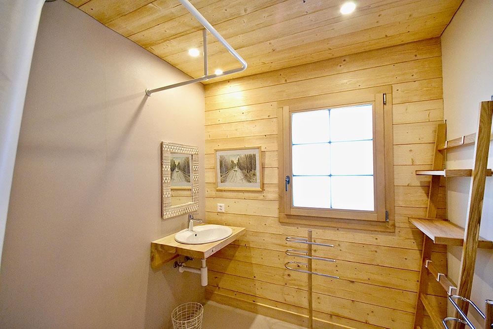 salle_de_bain_adaptée_2