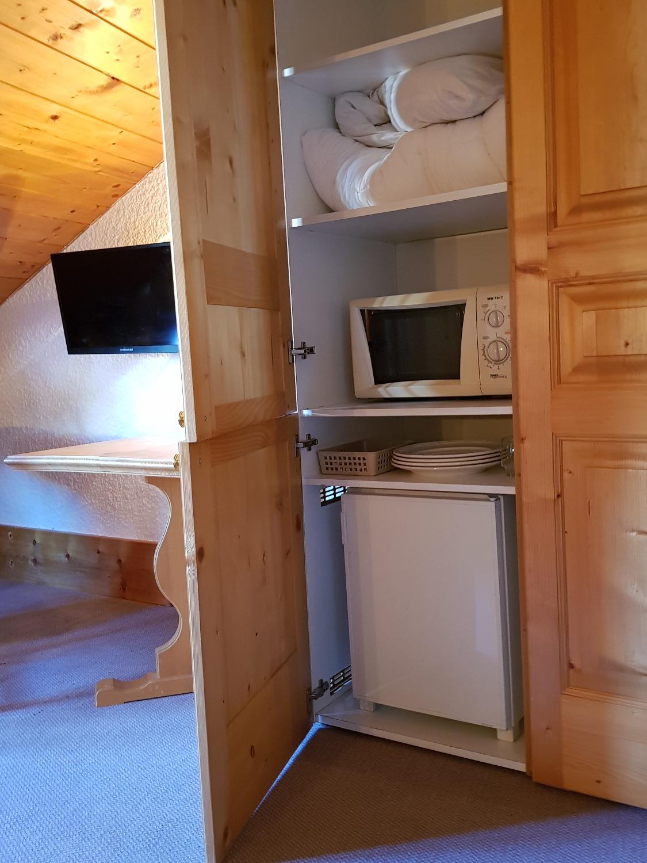 frigo + micro-onde chambre