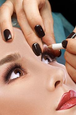 training in permanent makeup eyebrows.jp