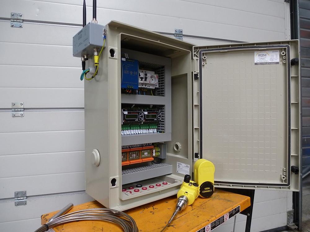 capteur vega à onde radar guidée avec coffret de communication étanche