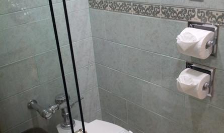 Cancel y W.C. Habitación Doble Confort