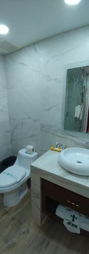 Lavamanos y W.C. baño 2 Suite
