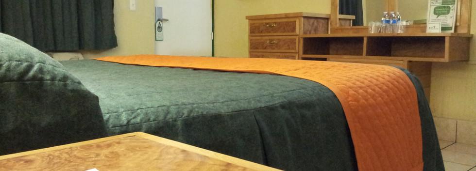 Tocador vista cama Habitación Sencilla Standard