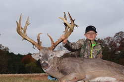 "195"" BC - Texas Whitetail Hunting"