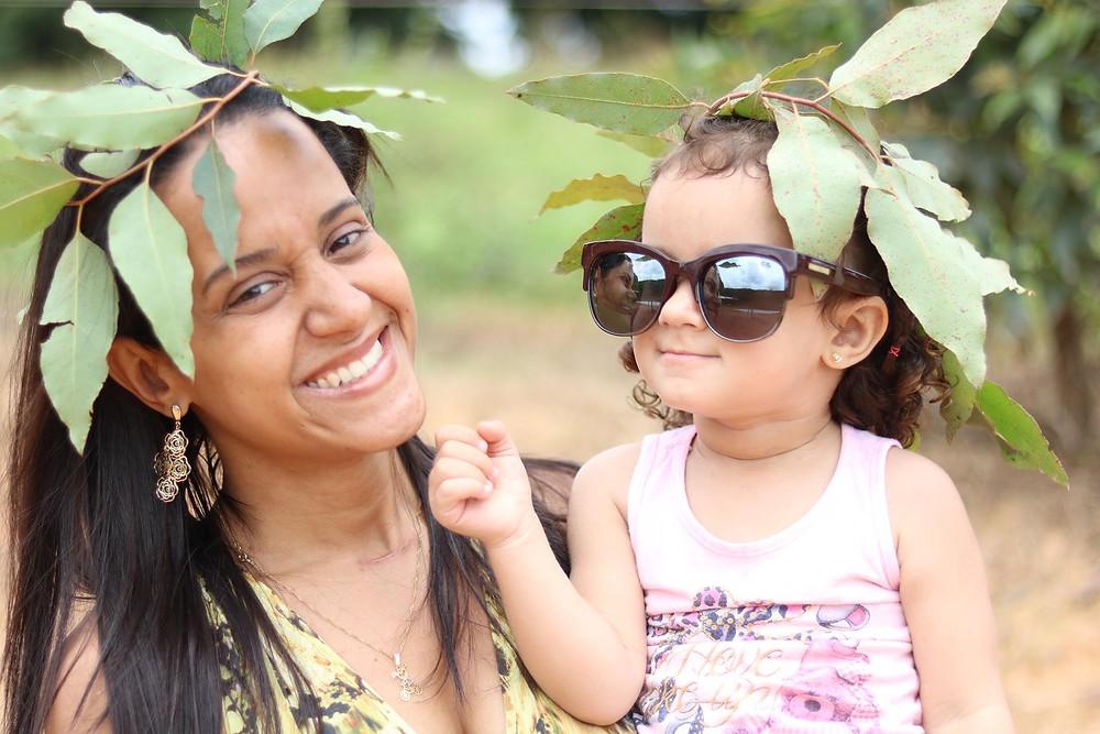 Mãe e filha na fazenda
