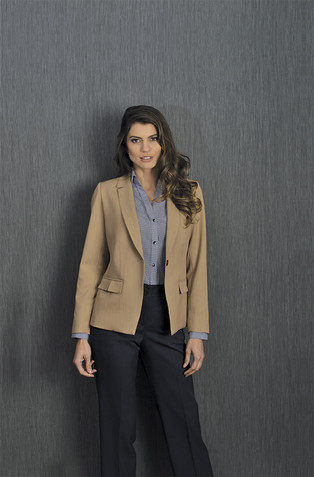 Saco khaky, pantalón y blusa marino dama