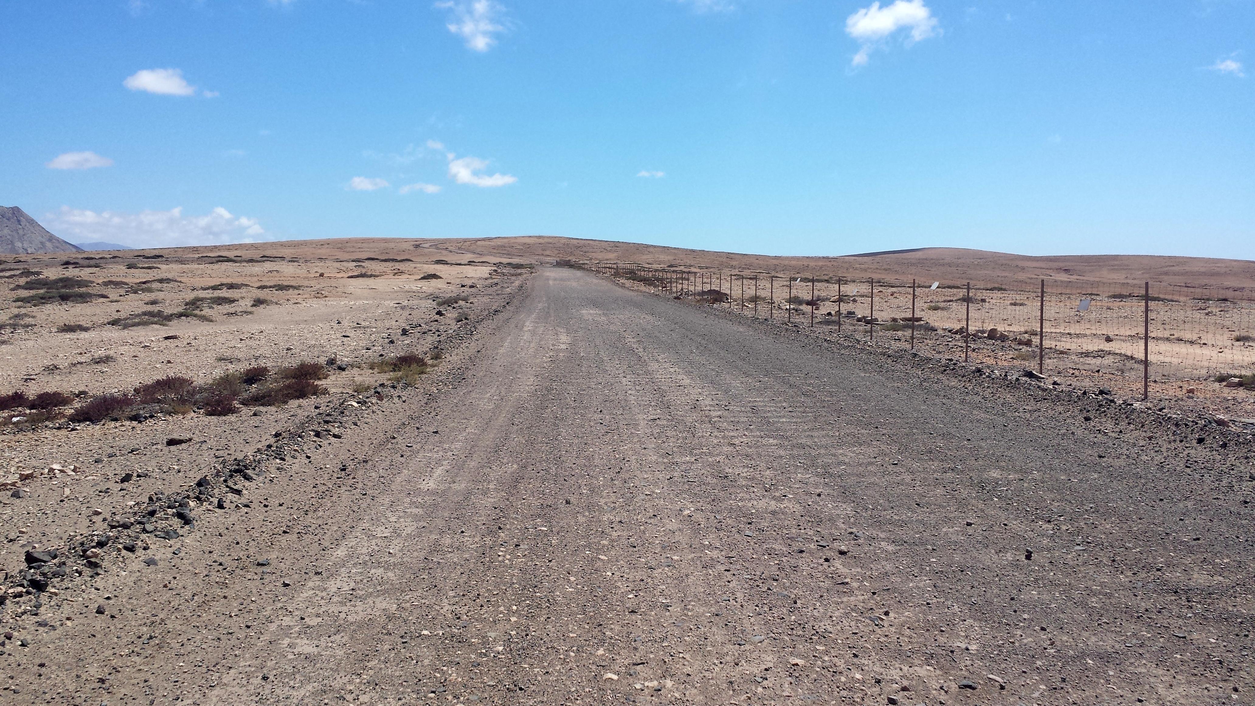road Lajares Tindaya