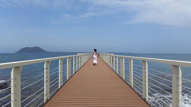 Corralejo mit Blick Richtung Lobos und Lanzarote für die AcademyaO auf Fuerteventura