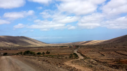 road between La Oliva and Caldereta