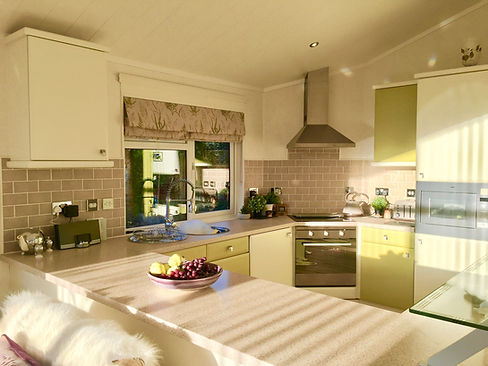 Spacious kitchenin Otter Lodge Auchterarder