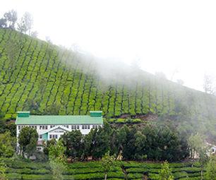 Kolukkumalai tea factory.jpg