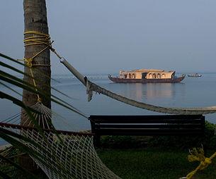 alappuzha backwater tourism.jpg