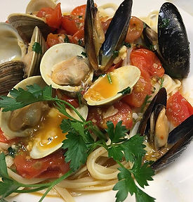 Come try our delicious Cozze E Vongole!