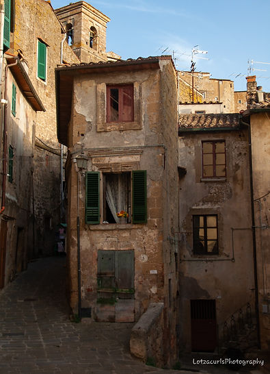 Pitigliano structure ancient villages Tuscany Italy