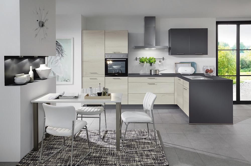 Eine #Küche in Moderner Eiche #HalifaxOptik #Structura 401.