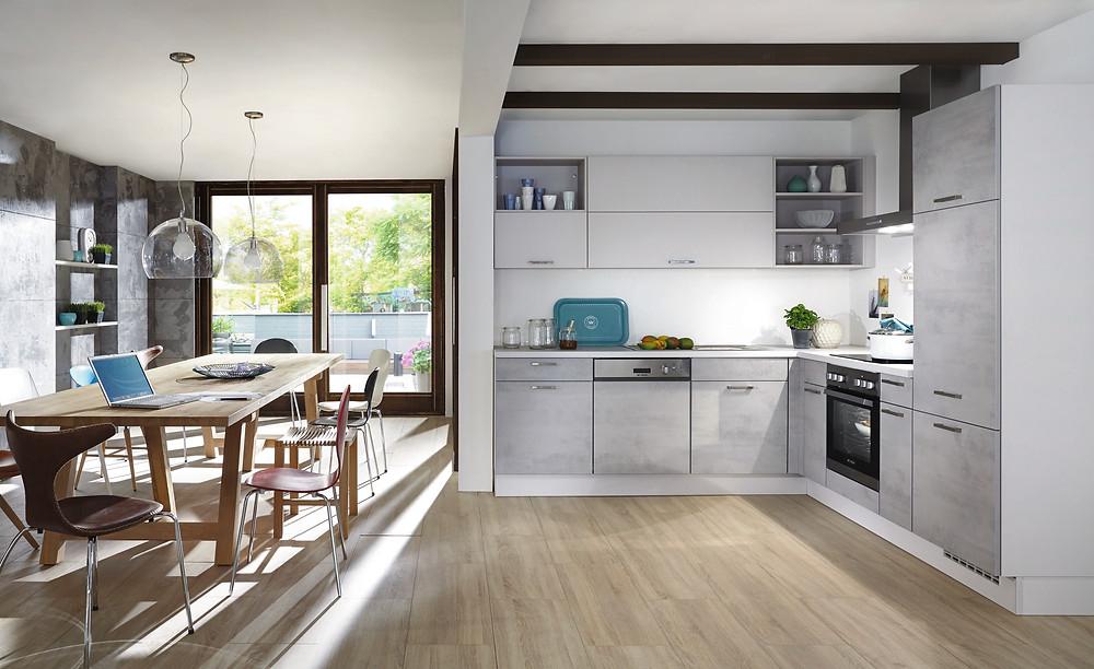 Die offene Küche in Beton grau Riva 892.