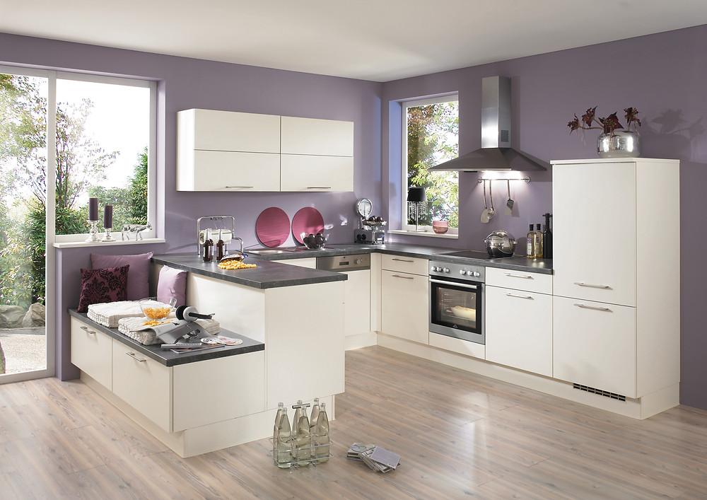 Die Küche für die ganze Familie in Magnolia matt Laser 418