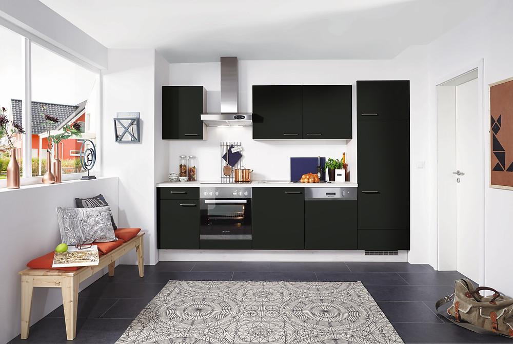 Eine #Küche die im Trend liegt #Lacklaminat, #Schwarzsupermatt #Touch 340.