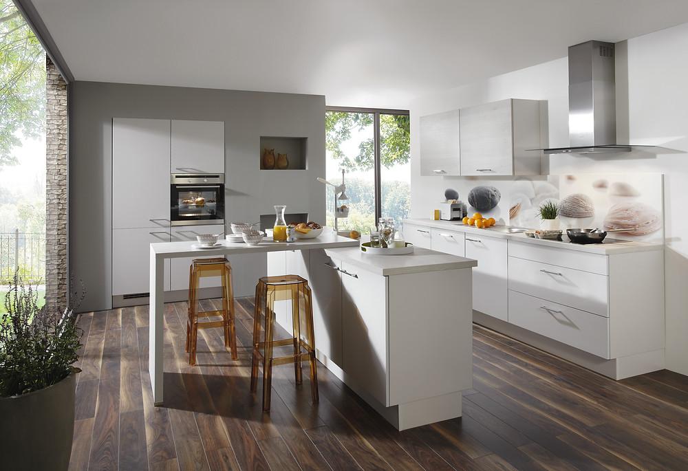 Eine Formschöne #Küche in in Seidengrau #Laser 417.