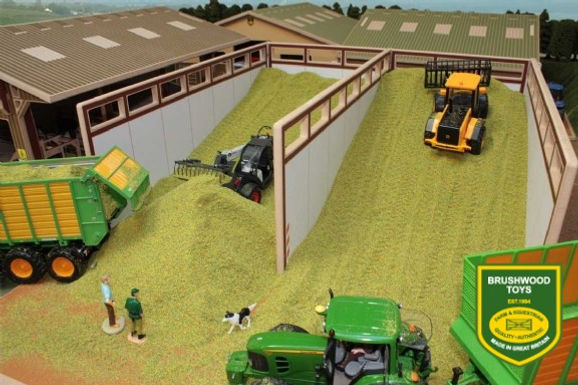8500 Monster Silage Clamp