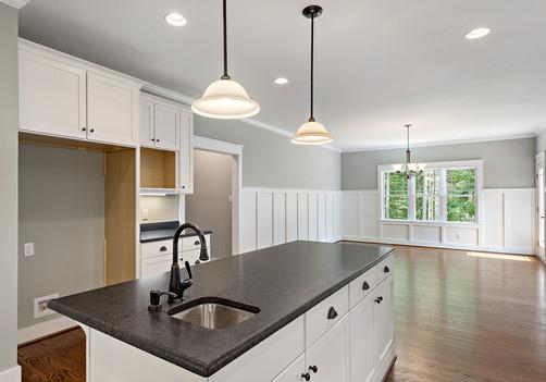 13-Kitchen.jpg