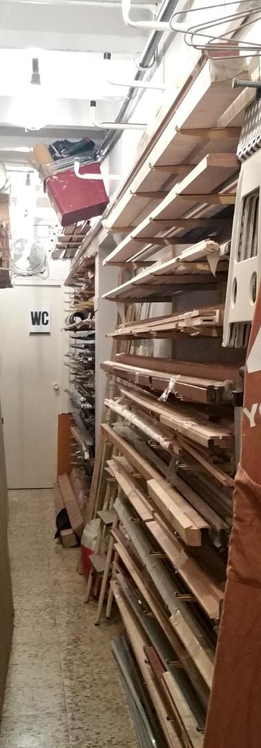 El depósito de molduras de a45º Taller de marcs