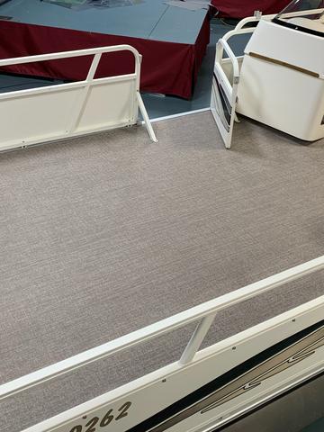 Vinyl pontoon flooring