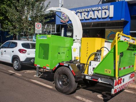 Entrega de triturador e veículo para as Secretarias Municipais de Sarandi