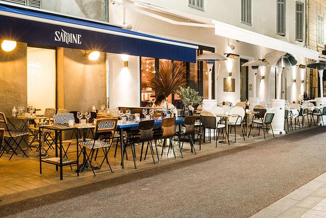 Stores extérieurs Paris