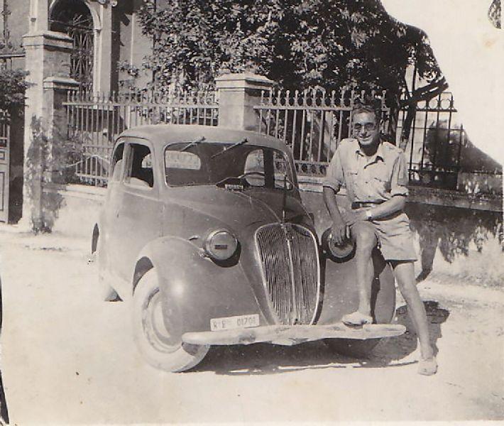 Bruno Bertoldi con l'auto del generale Gherzi 18.07.1943
