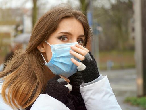 Covid-19: precisazioni sull'uso delle mascherine all'aperto, a scuola, in ufficio, al bar e a casa