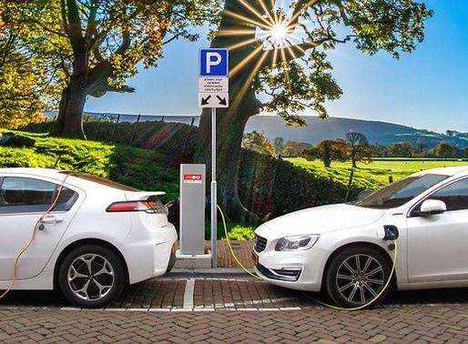 Cosa frena gli italiani su ibrido e auto elettrica? Risponde il Festival dell'Economia di Trento