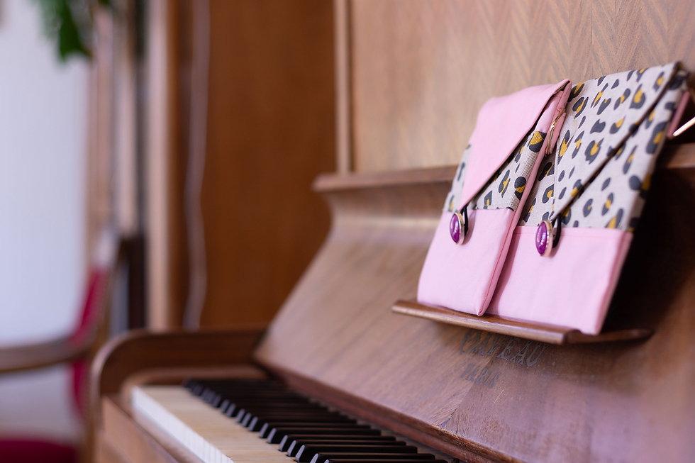 PEPE21-rose-leo-pochettes-jamais-sans-lu