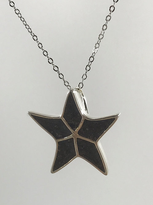 Well's Bay Sea Star Necklace