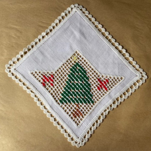 Small Christmas Tree Saba Lace