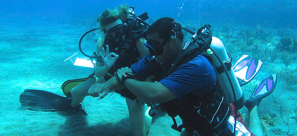 AdventureDiver and Advanced Open Water Diver - Get the most out of your Saba dive adventure