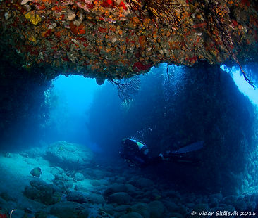 Dive swim throughs