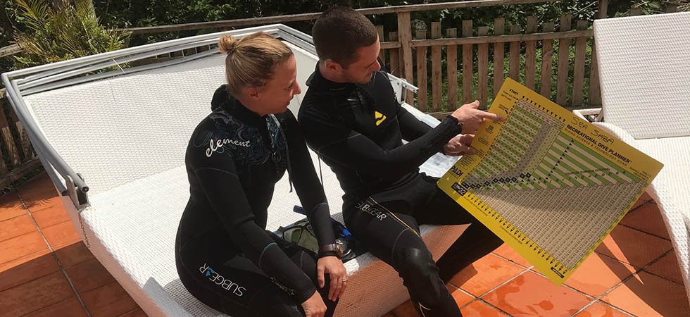 ​Dive Nitrox Today - Diving with nitrox simply means your scuba tank is filled with a higher content of oxygen than a regular air mixture.