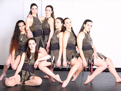 CLASEEZ DANSE TROUPE DMA MONTREAL.png