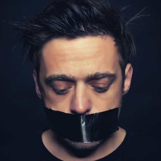 Homme victime de violences conjugales - physiques ou sexuelless