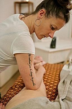 Thérapie psycho corporelle et massage thaï Bayonne Côte Basque.jpg
