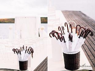 Белые зонты для гостей в аренду