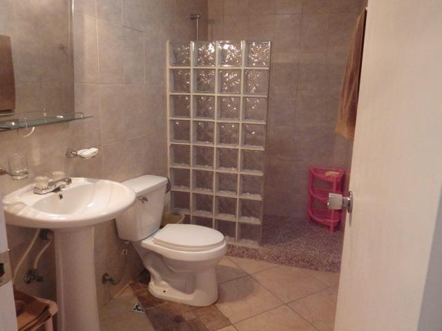 Unit 6 Washroom